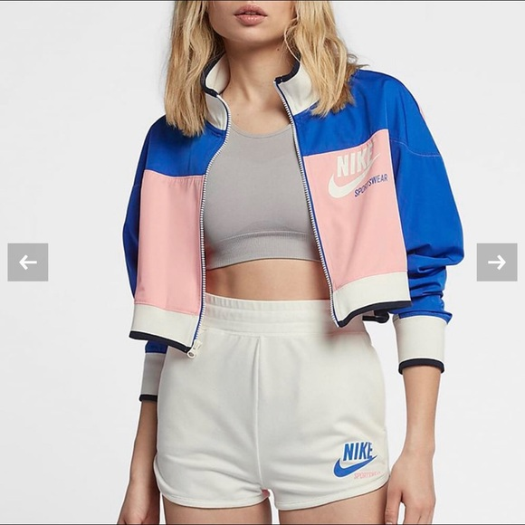 promo code d7fb2 5d51b Nike Sportswear Archive Cropped Track Jacket. M 5bfd8e316a0bb7bb1d8ad072